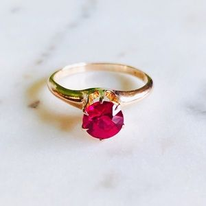 Antique 10K Gold Ruby Solitaire Ring